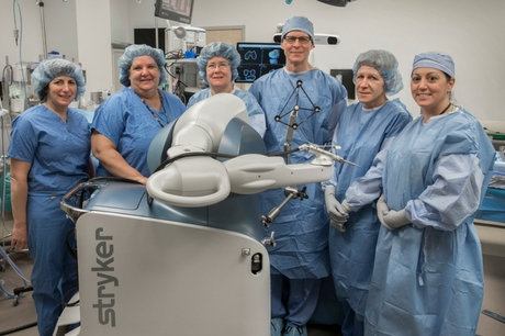 Dr. David Kolessar and orthopaedic surgery team at GSWB