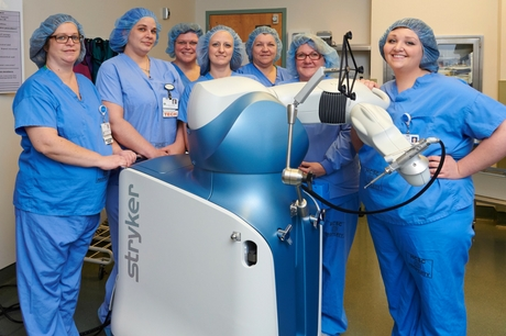 The team at Geisinger Shamokin Area Community Hospital poses with the Mako robot